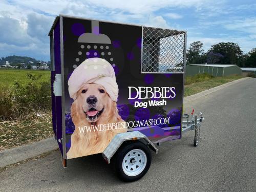 Large - Debbie's Dog Wash